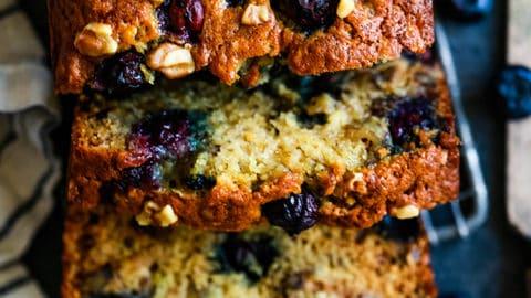 blueberry-walnut-banana-bread-2-480x270